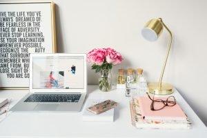 bad desk ergonomics